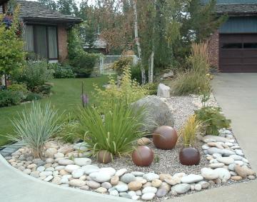 Whitemud landscaping and garden center edmonton edmonton for Big rock in front yard