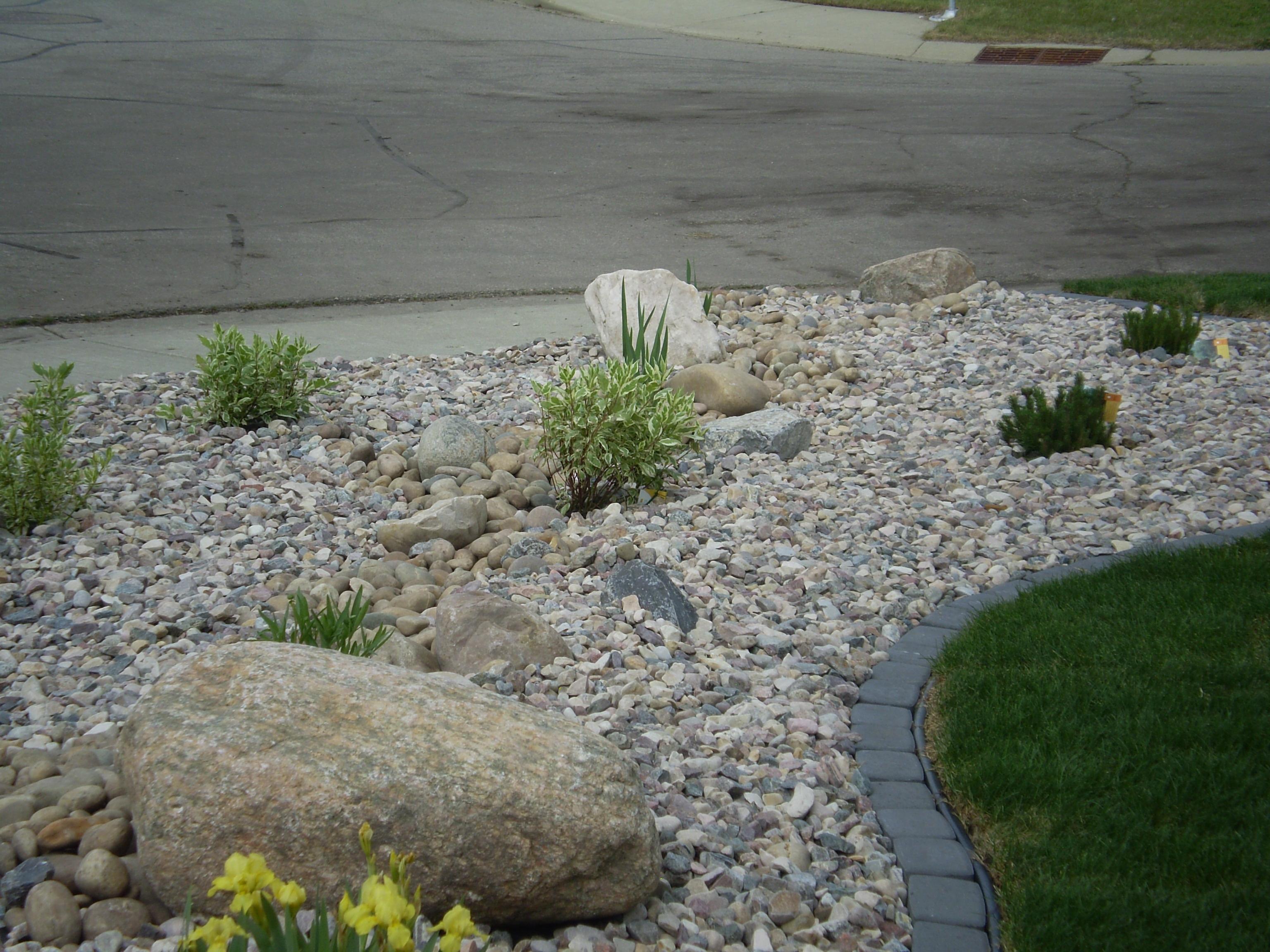 Scaping photo idea landscaping design edmonton for Garden scaping